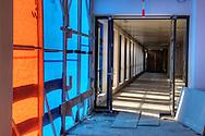 Nederland, Den Bosch, 20091014..Nieuwbouw van het Jeroen Bosch Ziekenhuis in Den Bosch. .Architect: EGM Architecten.Nog in te richten vepleeg afdeling.Het nieuwe ziekenhuis dient als vervanging voor de huidige ziekenhuizen: Groot Zieken Gasthuis, Carolus en Willem Alexander. Het ziekenhuis zal een capaciteit krijgen van 730 bedden..Gezondheidspark Willemspoort-Midden.Bij het ziekenhuis komt het Zorgpark Willemspoort. Een gemengde wijk, waarin wonen, bedrijvigheid, onderwijs en winkels/dienstverlening geïntegreerd worden. ..Netherlands, Den Bosch, 20091014. ?Construction of the Jeroen Bosch Hospital in Den Bosch. Architect: Architects EGM ?The new hospital is to replace the current hospitals: Groot Zieken Gasthuis, Carolus en Willem Alexander. The hospital will have a capacity of 730 beds. ?Health-Central Park Willemspoort ?Near the hospital a Care Park, Willemspoort will be build. Mixed neighborhoods, where housing, business, education and shopping / services are integrated. ? Architecture Building Health Care Hospital    .Gerlo Beernink/Hollandse Hoogte