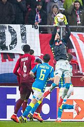 14.03.2019, Red Bull Arena, Salzburg, AUT, UEFA EL, FC Red Bull Salzburg vs SSC Napoli, Achtelfinale, Rückspiel, im Bild v.l. Jerome Onguene (FC Salzburg), Mário Rui (SSC Napoli), Alex Meret (SSC Napoli) // during the UEFA Europa League round of 16, 2nd leg match between FC Red Bull Salzburg and SSC Napoli at the Red Bull Arena in Salzburg, Austria on 2019/03/14. EXPA Pictures © 2019, PhotoCredit: EXPA/ Johann Groder