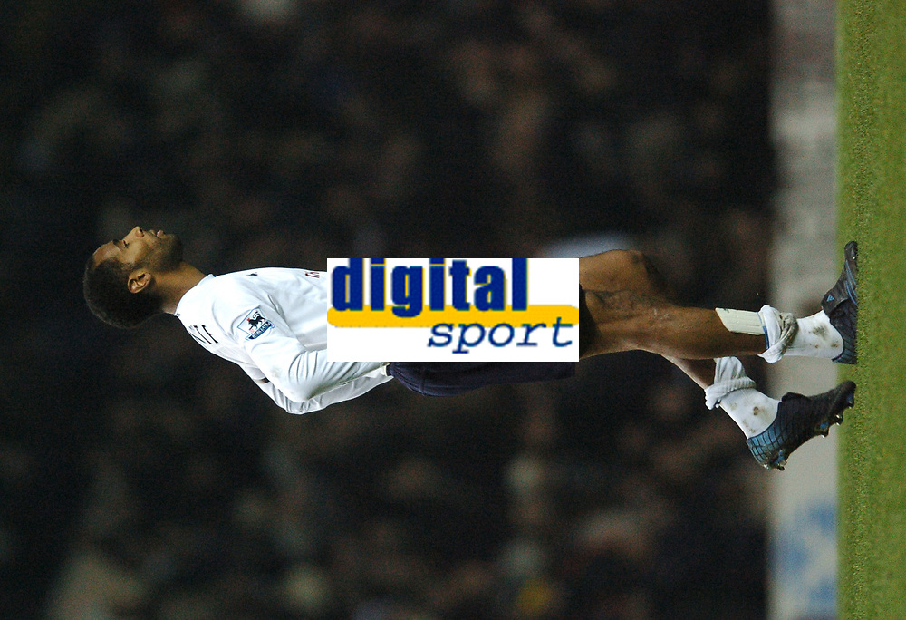 Fotball<br /> Carling Cup England 2004/2005<br /> Foto: BPI/Digitalsport<br /> NORWAY ONLY<br /> <br /> <br /> 01/12/2004 Tottenham v Liverpool, Carling Cup Quarter Final, White Hart Lane<br /> <br /> Frederic Kanoute trudges off alone after handing the tie to Liverpool