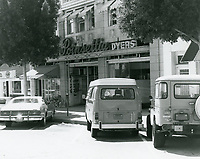1977 Poinsettia Cleaners on Larchmont Blvd.
