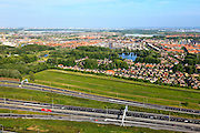 Nederland, Zuid-Holland, Den Haag, 23-05-2011; A4 richting Prins Clausplein, vinexlocatie Ypenburg met de villawijk Bosweide. New residential area near The Hague along the roadway A4..luchtfoto (toeslag), aerial photo (additional fee required).copyright foto/photo Siebe Swart