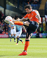 Luton Town's Alan Sheehan in action<br /> <br /> Photographer David Shipman/CameraSport<br /> <br /> The EFL Sky Bet League Two - Luton Town v Blackpool - Saturday 1st April 2017 - Kenilworth Road - Luton<br /> <br /> World Copyright © 2017 CameraSport. All rights reserved. 43 Linden Ave. Countesthorpe. Leicester. England. LE8 5PG - Tel: +44 (0) 116 277 4147 - admin@camerasport.com - www.camerasport.com
