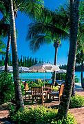 Table du restaurant de l'hôtel Le Méridien Ile des Pins situé à la baie d'Oro de l'Ile des Pins en Nouvelle Calédonie.