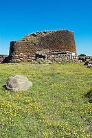 Italie. Sardaigne. Province de Sassari. Nuraghe Losa. // Italy. Sardinia. Sassari province. Losa Nuraghe.