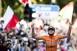 September 23, 2017 - Bergen, NORWAY - 170923 Chantal Blaak of The Netherlands crosses the finish line as world champion during the Women Elite Road Race on September 23, 2017 in Bergen..Photo: Jon Olav Nesvold / BILDBYRN / kod JE / 160028 (Credit Image: © Jon Olav Nesvold/Bildbyran via ZUMA Wire)