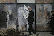 Dinos Chapman, Aperiatur Terra, Private View of work by  Anselm Kiefer<br />White Cube, Mason's Yard. - Afterwards dinner at the  NCP Brewer Street (Top<br />Floor)  London, 25 January 2007. -DO NOT ARCHIVE-© Copyright Photograph by Dafydd Jones. 248 Clapham Rd. London SW9 0PZ. Tel 0207 820 0771. www.dafjones.com.
