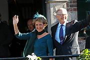 Zijne Hoogheid Prins Floris van Oranje Nassau, van Vollenhoven en mevrouw mr. A.L.A.M. Söhngen zijn donderdag 20 oktober in het stadhuis van Naarden in het burgelijk huwelijk getreden. De prins is de jongste zoon van Prinses Magriet en Pieter van Vollenhoven.<br /> <br /> 20OCT, 2005 - Civil Wedding Prince Floris and Aimée Söhngen. <br /> <br /> Civil Wedding Prince Floris and Aimée Söhngen in Naarden. The Prince is the youngest son of Princess Margriet, Queen Beatrix's sister, and Pieter van Vollenhoven. <br /> <br /> Op de foto / On the photo;<br /> <br /> <br /> Hare Koninklijke Hoogheid Prinses Margriet der Nederlanden en Professor Mr. Pieter van Vollenhoven <br /> <br /> Her royal highness princess daisy of the The Netherlands and professor Mr. Pieter van Vollenhoven (parents of Floris)