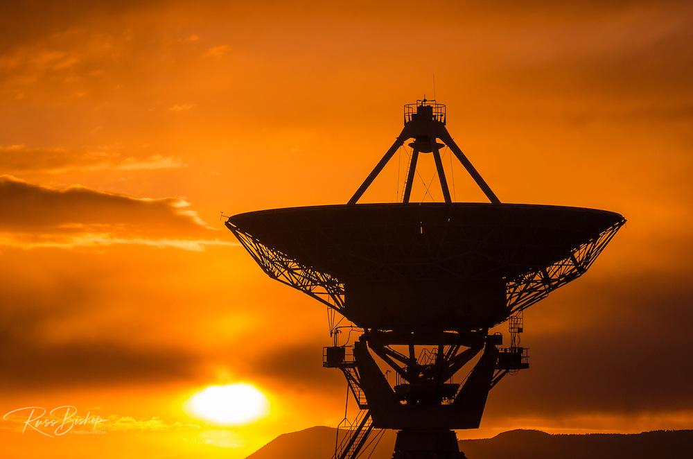 Radio telescope at sunset, Very Large Array (VLA), Plains of San Agustin, Socorro, New Mexico USA