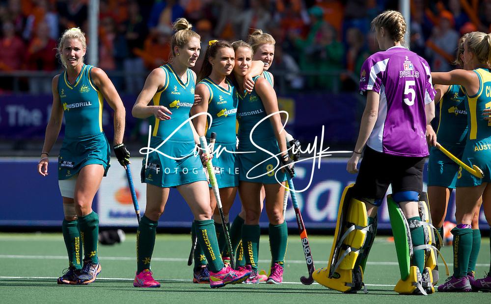 DEN HAAG - Teleurstelling bij Australie  na de finale om de World Cup Hockey 2014 tussen de vrouwen van Nederland en Australie. Nederland wint de finale met 2-0. ANP KOEN SUYK