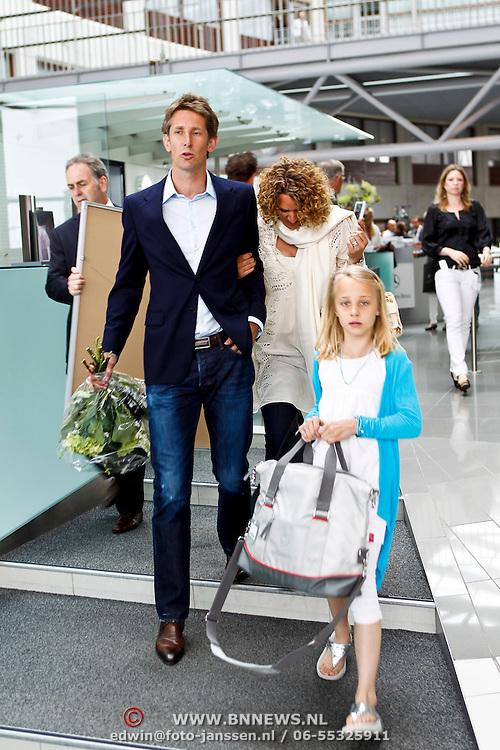 NLD/Utrecht/20100607 - Presentatie tijdschrift Helden nr.5, Annemarie van der Sar - van Kesteren en dochter Lynn