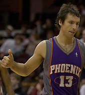 MORNING JOURNAL/DAVID RICHARD.Phoenix guard Steve Nash gives the thumbs up sign after the Suns won their 17th straight game with a 115-100 win over host Cleveland.