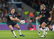 Twickenham, United Kingdom.  George FORD, passes the ball in to Joe MARLER line, during the Old Mutual Wealth Series Rest Match: England vs Fiji, at the RFU Stadium, Twickenham, England, Saturday  19/11/2016<br /><br />[Mandatory Credit; Peter Spurrier/Intersport-images]