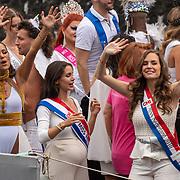 NLD/Amsterdam/20190803 - Gaypride 2019, elize, Elise van der Horst, en Miss Nederland 2010 Desirée van den Berg