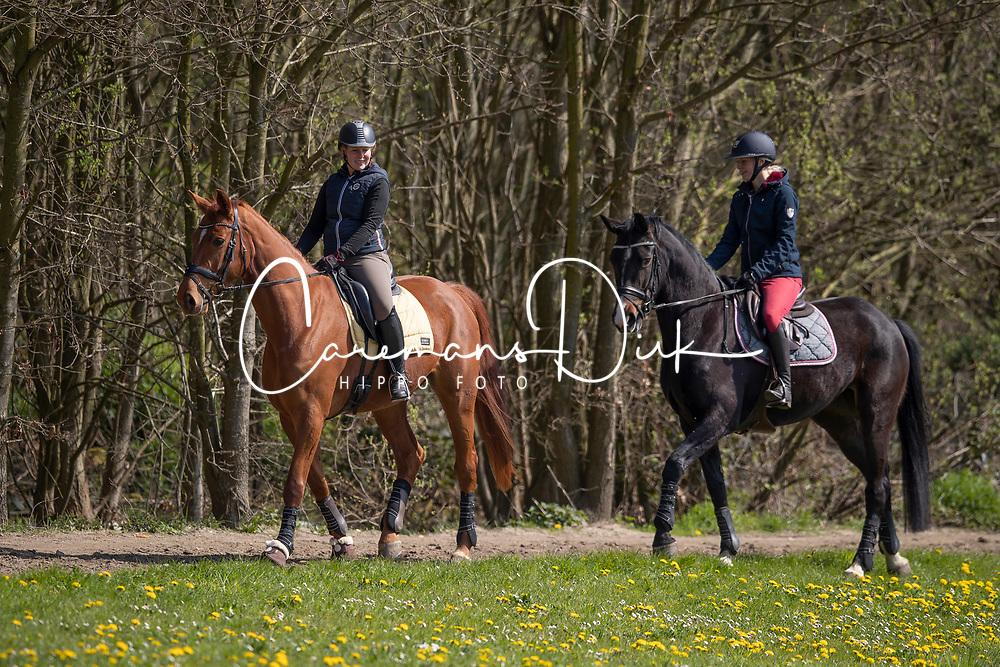 De Keersmaecker Jolien, O So Lucky CD, Lauwens Liesbet, Morumbi CD<br /> Wandelpad Sint Kathelijne Waver 2019<br /> © Hippo Foto - Dirk Caremans<br /> 10/04/2019