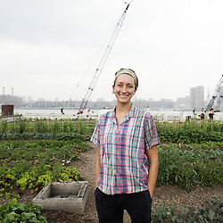 Annie Novak is the founder of the Eagle Street Rooftop Farm in Greenpoint, Brooklyn (NY).  20 June 2010. Photo: Antoine Doyen