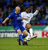 Photo. Aidan Ellis.<br />Bolton Wanderers v Everton.<br />FA Barclaycard Premiership.<br />29/11/2003.<br />Bolton's Jay Jay Okocha and Everton's Thomas Gravesen