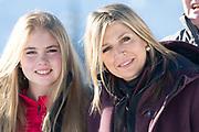 Fotosessie met de koninklijke familie in Lech /// Photoshoot with the Dutch royal family in Lech .<br /> <br /> Op de foto/ On the photo: Koningin Maxima en Prinses Amalia //// Queen Maxima and Princess Amalia