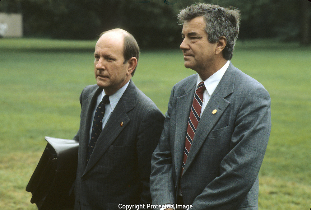 White House Chief of Staff Michael  Deaver and Secret Service agent Jerry Paar  .on the South Lawn of the White House in  October 1981..Photograph by Dennis Brack bB22