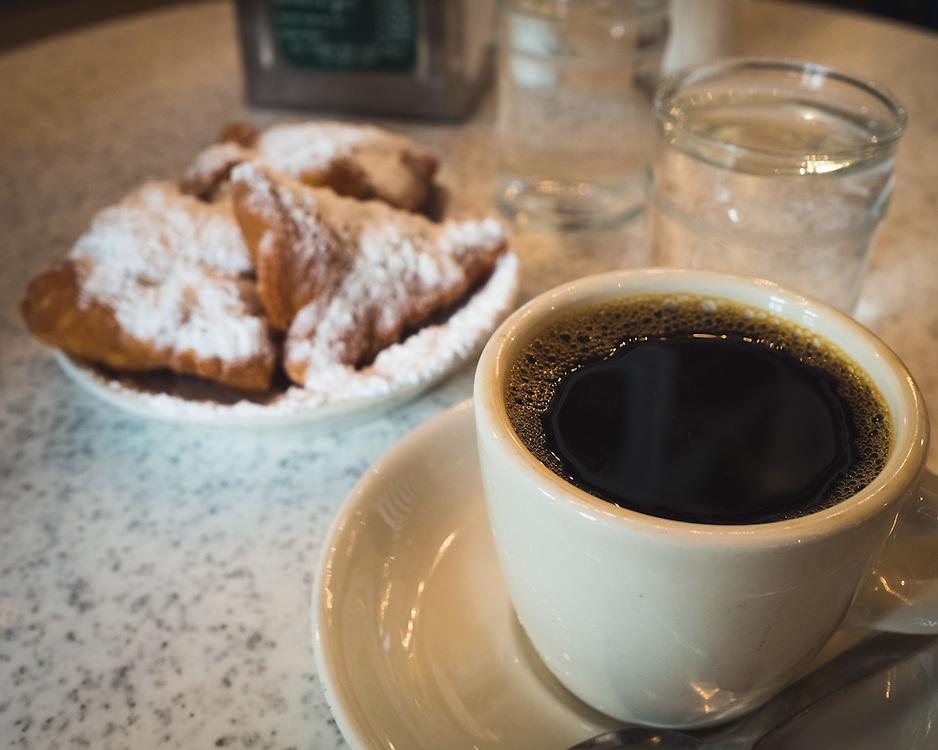 Cafe Du Monde<br /> French Quarter<br /> New Orleans, LA