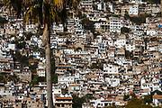 Cada año la ciudad de Taxco recibe algunos de los mejores ciclistas del mundo para recorrer los estrechos callejones que caracterizan a esta ciudad. © Rodrigo Cruz / zonamtb.com