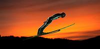 Hopp<br /> Hoppuka 2006/2007<br /> Foto: Witters/Digitalsport<br /> NORWAY ONLY<br /> <br /> 30.12.2006<br /> Feature Sonnenuntergang bei Oberstdorf<br /> Wintersport Skispringen Vierschanzentournee Oberstdorf 2006
