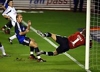 Fotball<br /> Belgia 2002/2003<br /> 05.10.2003<br /> Anderlecht v Brugge / Brügge<br /> Bengt Sæternes - Brugge<br /> Daniel Zitka<br /> Foto: Digitalsport<br /> Norway Only
