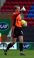 Photo. Jed Wee.<br /> Wigan Athletic v Crystal Palace, Nationwide League Division One, JJB Stadium, Wigan. 01/11/03.<br /> Palace goalkeeper Thomas Myhre in action against Wigan.