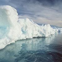 Icebergs in Antarctica.<br /> Eisberg in der Antarktik.