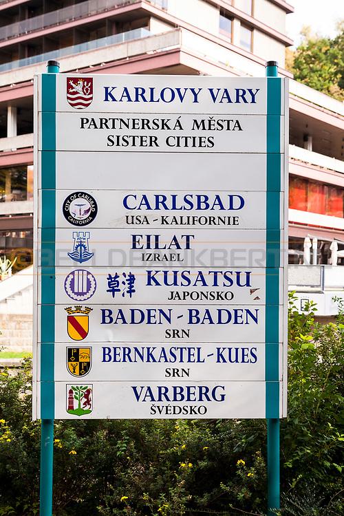 20-09-2015: Stadscentrum in Karlovy Vary (Karlsbad), Tsjechië. Foto: Zustersteden