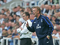 Photo: Andrew Unwin.<br /> Newcastle United v Everton. The Barclays Premiership. 24/09/2006.<br /> Newcastle's Glenn Roeder (L) and Everton's David Moyes (R).