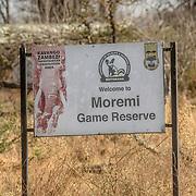 20211003 Maun Botswana <br /> Moremi nationalpark Okavangodeltat<br /> Entrén till nationalparken<br /> <br /> ----<br /> FOTO : JOACHIM NYWALL KOD 0708840825_1<br /> COPYRIGHT JOACHIM NYWALL<br /> <br /> ***BETALBILD***<br /> Redovisas till <br /> NYWALL MEDIA AB<br /> Strandgatan 30<br /> 461 31 Trollhättan<br /> Prislista enl BLF , om inget annat avtalas.