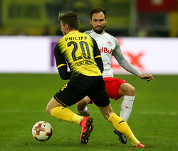 15.03.2018, Red Bull Arena, Salzburg, AUT, UEFA EL, FC Salzburg vs Borussia Dortmund, Achtelfinale, Rueckspiel, im Bild Maximilian Philipp (Borussia Dortmund) und Andreas Ulmer (FC Salzburg) // during the UEFA Europa League Round of 16, 2nd Leg Match between FC Salzburg and Borussia Dortmund at the Red Bull Arena in Salzburg, Austria on 2018/03/15. EXPA Pictures © 2018, PhotoCredit: EXPA/ Roland Hackl