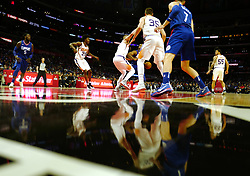 October 21, 2017 - Los Angeles, California, U.S. - Phoenix Suns vs. Los Angeles Clippers in the second half during an NBA basketball game at the Staples Center on Saturday, Oct 21, 2017 in Los Angeles. .(Photo by Keith Birmingham, Pasadena Star-News/SCNG) (Credit Image: © San Gabriel Valley Tribune via ZUMA Wire)