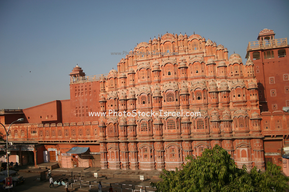 India, Rajasthan, Jaipur, Hawa Mahal Palace of the Winds built in 1799