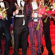 NLD/Utrecht/20121005- Gala van de Nederlandse Film 2012, winnaars Gouden Kalf  Reinout Scholten van Aschat (Beste acteur) en Hannah Hoekstra (Beste actrice)