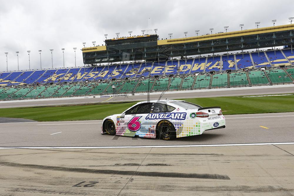 October 21, 2017 - Kansas City, Kansas, USA: Trevor Bayne (6) takes to the track to practice for the Hollywood Casino 400 at Kansas Speedway in Kansas City, Kansas.