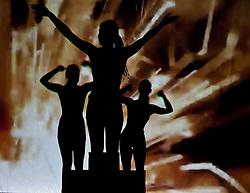 05.05.2011, Ferry Porsche CONGRESS CENTER, Zell am See, AUT, IRONMAN 70.3 Salzburg, im Bild silhouetten bilden ein Siegerpodest mit Jubel Schattenspiele während der Präsentations- Pressekonferenz des Ironman 70.3 Zell am See Kaprun, der am 26. August 2012 erstmals über die Bühne geht // silhouettes form a podium with cheers shadow, EXPA Pictures © 2011, PhotoCredit: EXPA/ J. Feichter