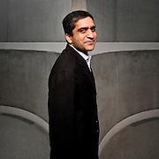 Rakesh Khurana Portrait of Rakesh Khurana, by Brian Smale.  Photographed at Harvard Business School, for Fortune Magazine. 2008