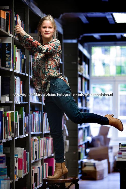 Nederland, Den Bosch, Meike Pol komt uit met haar debuutroman