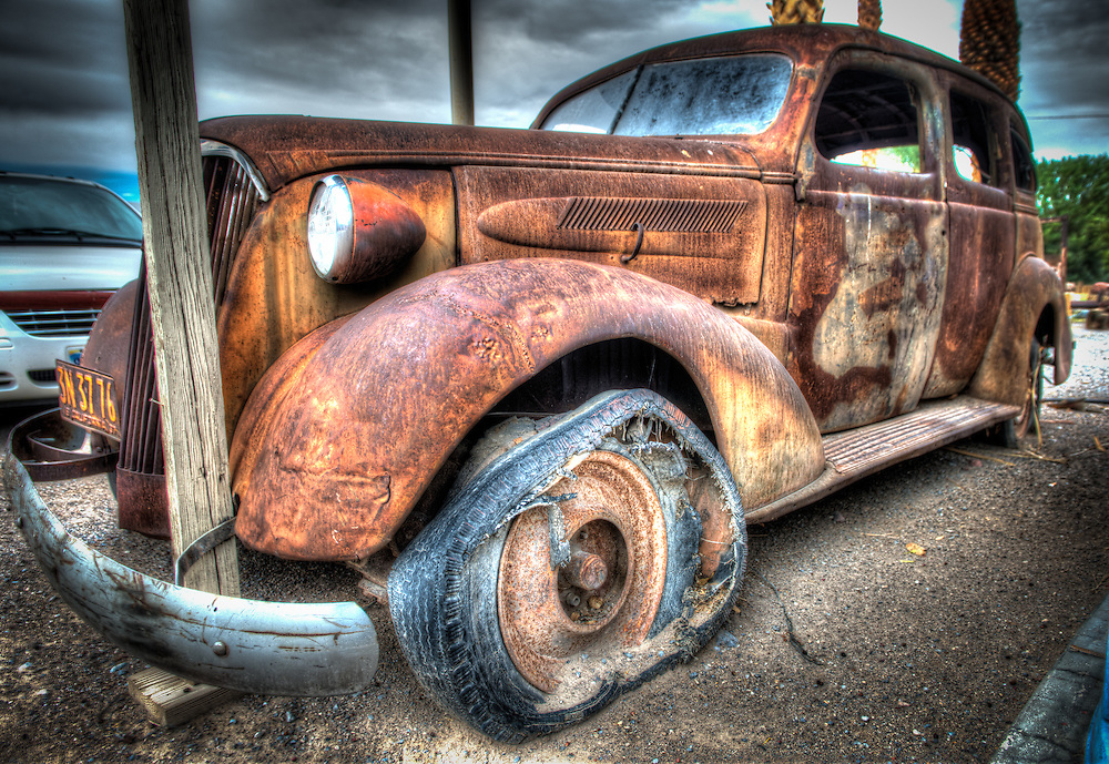 Rusted old car in Shoshone
