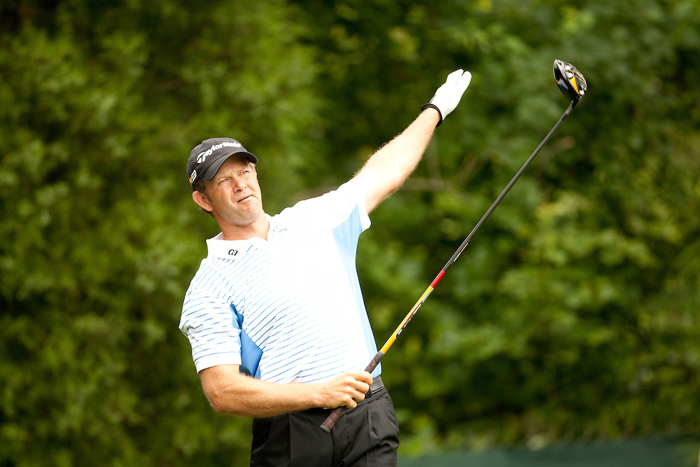 FARMINGDALE, NY - JUNE 22:  Retief Goosen watches his tee shot during the continuation of the fourth round of the 109th U.S. Open Championship on the Black Course at Bethpage State Park on Monday, June 22, 2009. (Photograph by Darren Carroll) *** Local Caption *** Retief Goosen
