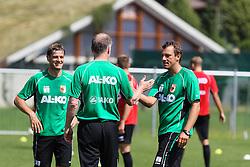 14.07.2013, Walchsee, AUT, FC Augsburg, Trainingslager, im Bild shake hands nach dem Abpfiff, v.li. Wolfgang BELLER (Co-Trainer FC Augsburg), Stefan REUTER (Geschvßftsfv∫hrer Sport FC Augsburg). Markus WEINZIERL (Trainer FC Augsburg) // during a trainings session of German 1st Bundesliga club FC Augsburg at their training camp in Walchsee, Austria on 2013/07/14. EXPA Pictures © 2013, PhotoCredit: EXPA/ Eibner/ Klaus Rainer Krieger<br /> <br /> ***** ATTENTION - OUT OF GER *****