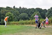 Nederland, Groesbeek, 8-8-2019Een man aan slag op het golfterrein van de golfclub Rijk van Nijmegen.Foto: Flip Franssen