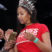 London, UK, 21th August 2016 : Miss England 2016 Elizabeth Grant  to gives a lucky draw hoilday to Mauritian for attendees at the Mauritian Open Air Festival 2016 at Gunnersbury Park in London,UK. © See Li/PictureCapital