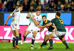 Andre Esterhuizen of South Africa looks to tackle Owen Farrell (captain) of England- Mandatory by-line: Steve Haag/JMP - 23/06/2018 - RUGBY - DHL Newlands Stadium - Cape Town, South Africa - South Africa v England 3rd Test Match, South Africa Tour