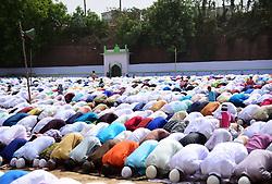 June 16, 2018 - Allahabad, Uttar Pradesh, India - Allahabad: Muslims offer prayer at Eidgaah on the occasion of Eid-ul-fitr in Allahabad on 16-06-2018. (Credit Image: © Prabhat Kumar Verma via ZUMA Wire)