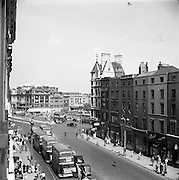 01/02/1957<br /> 02/01/1957<br /> 01 February 1957<br /> View down Westmoreland Street towards O'Connell Bridge