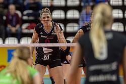 20-02-2016 NED: Coolen Alterno - Eurosped TVT, Almere<br /> Eurosped wint met 3-2 van Alterno en speelt morgen de finale / Jeanine Stoeten #9 of Eurosped