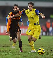 Fotball<br /> Italia<br /> Foto: Insidefoto/Digitalsport<br /> NORWAY ONLY<br /> <br /> Mirko VUCINIC Roma e Bostjan CESAR Chievo<br /> <br /> 04.12.2010<br /> Chievo v Roma