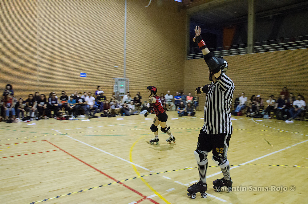 Madrid, Spain. 15th October, 2016. Jammer of Roller Derby Madrid, #77 Cerilla, during the match against The Rolling Candies.
